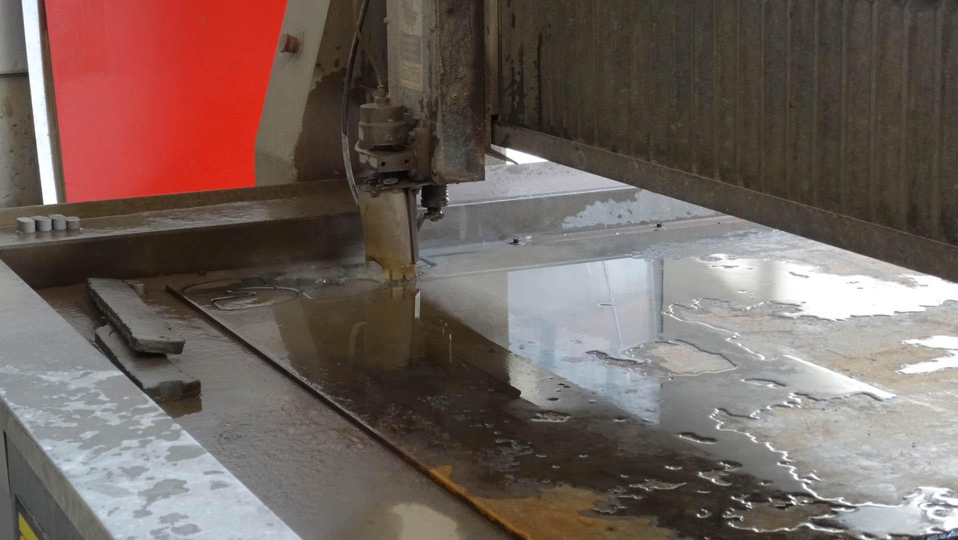 Lumet NV | Water jet - Plasma Cutting